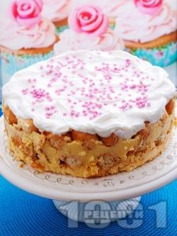 Лесна торта с мини кроасани и ванилов крем - снимка на рецептата
